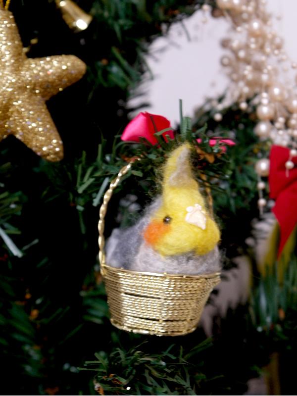 クリスマス*金のかご入りオカメインコ