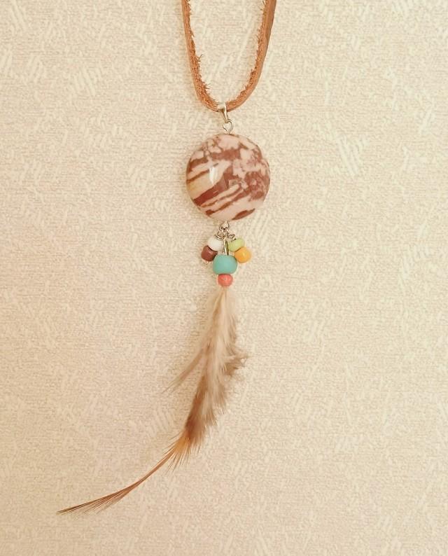 羽とカプチーノジャスパーのネックレス