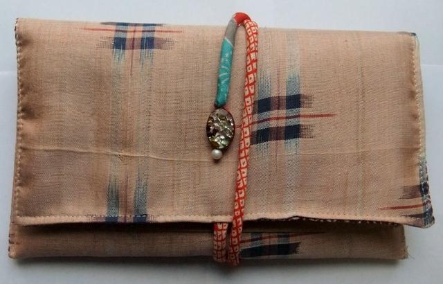 着物リメイク 銘仙の羽織で作った和風財布899