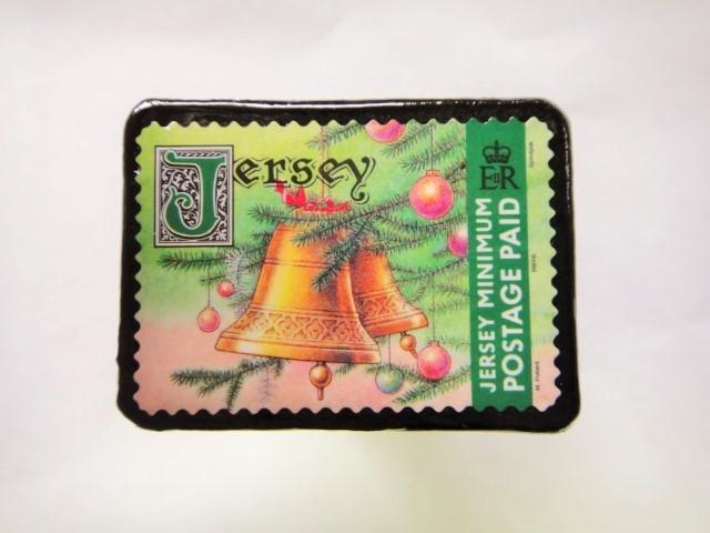ジャージー島 クリスマス切手ブローチ 477