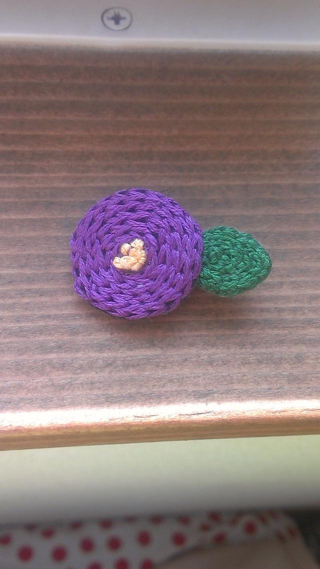 お花刺繍ブローチ