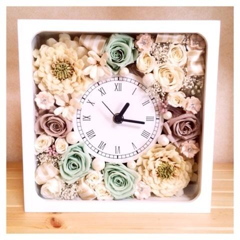 スモーキーカラーの花時計