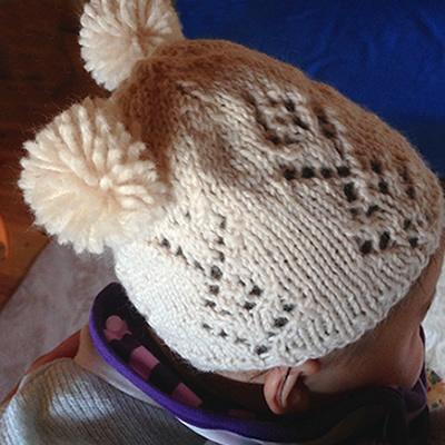 ぼんぼりのベビーニット帽