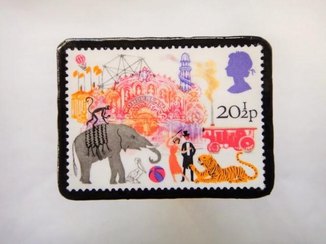 イギリス 切手ブローチ499