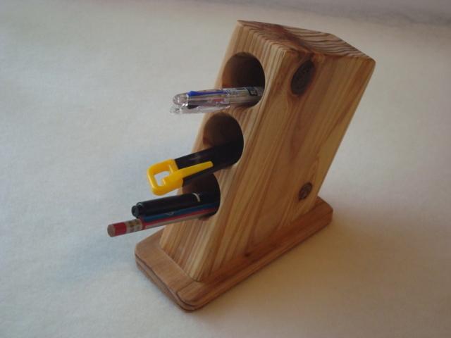 デスク用 木製ペンスタンドです。
