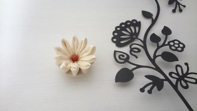 つまみ小花の帯留