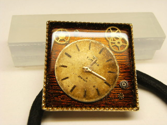 時計のヘアゴム