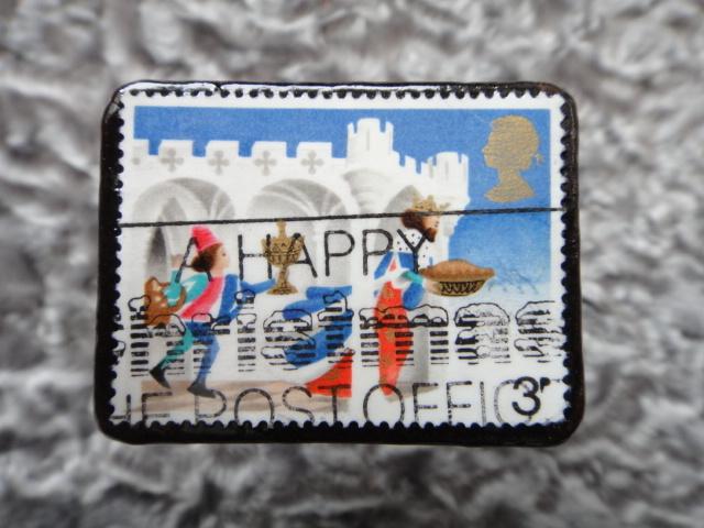 イギリス クリスマス切手ブローチ527