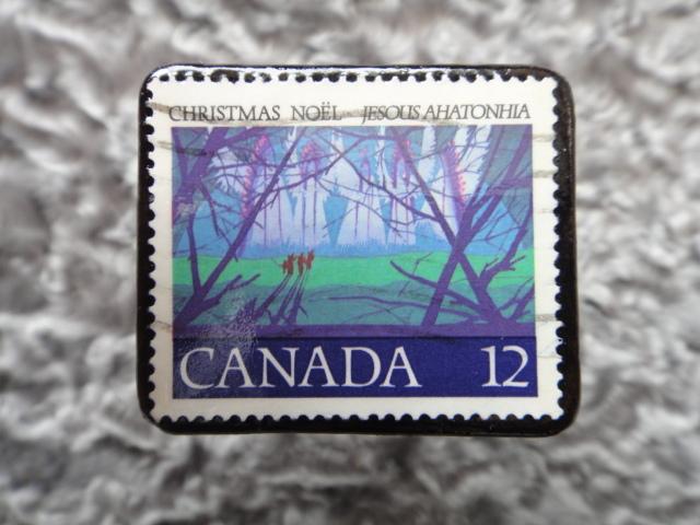 カナダ クリスマス切手ブローチ530