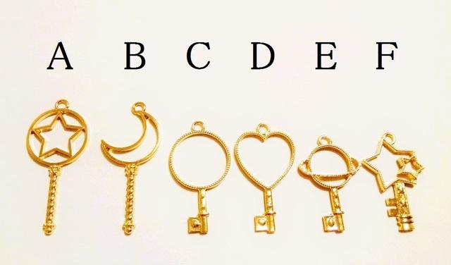 【E】3個 レジン枠 鍵