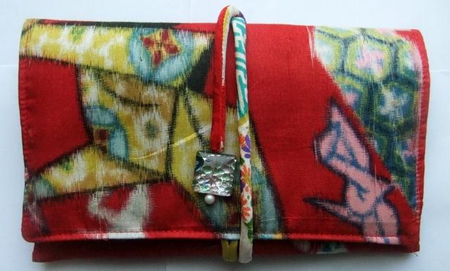 着物リメイク 銘仙の着物で作った和風財布 917