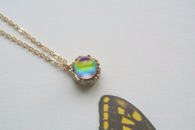 ヴィンテージ 虹のしずく ネックレス