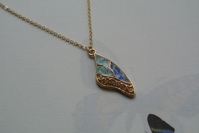 再販 空色硝子の蝶 片羽 ネックレス