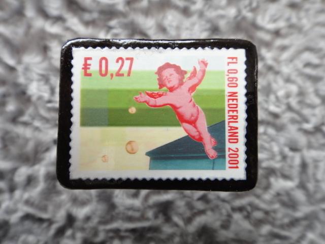 オランダ クリスマス切手ブローチ544