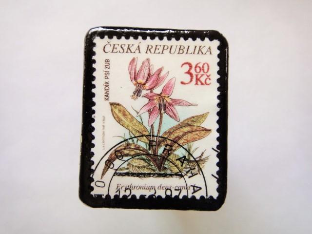 チェコスロバキア 花切手ブローチ550
