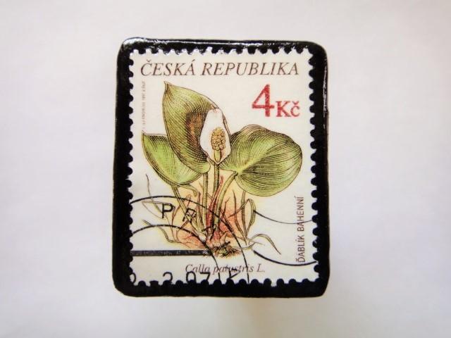 チェコスロバキア 花切手ブローチ551