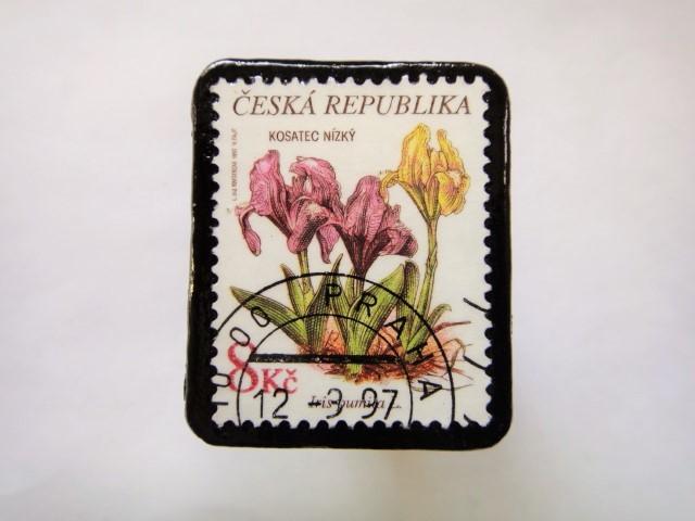 チェコスロバキア 花切手ブローチ553
