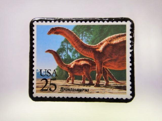 アメリカ 恐竜切手ブローチ 556