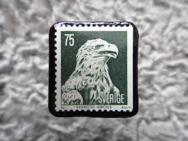 スウェーデン 鷲切手ブローチ 560
