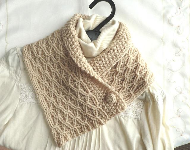 ★k様ご予約品★ 模様編みのあったかミニマフラー