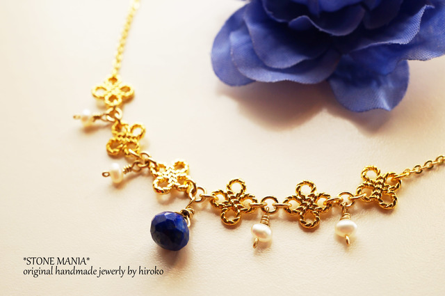 ?Petit Noël?Lapis&Pearl?necklace?