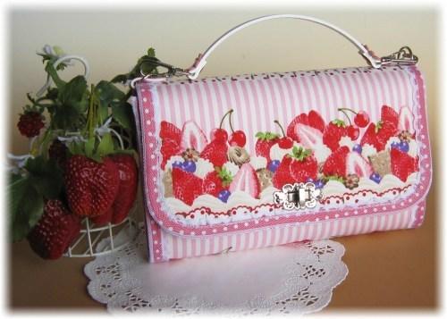 ロリィタテイストのベリーケーキお財布バック2