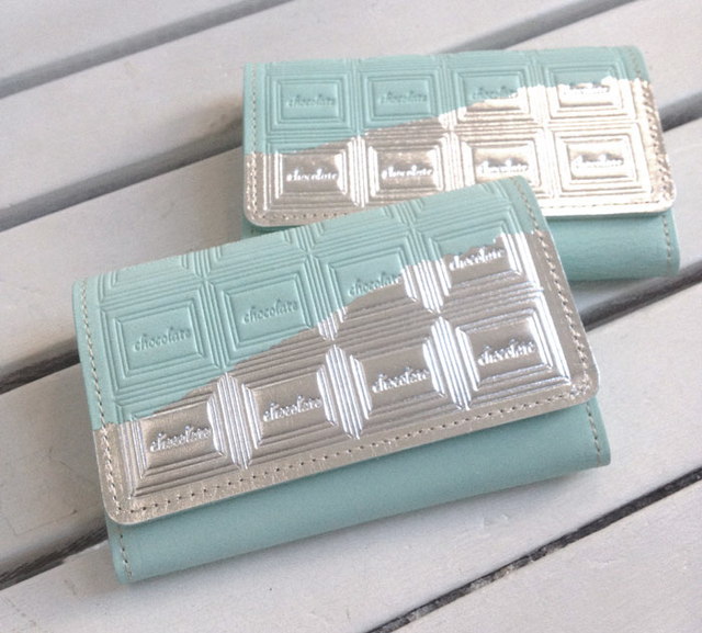 【Hさまお取り置き分】革のミントチョコ・名刺入れ(銀の包み紙)