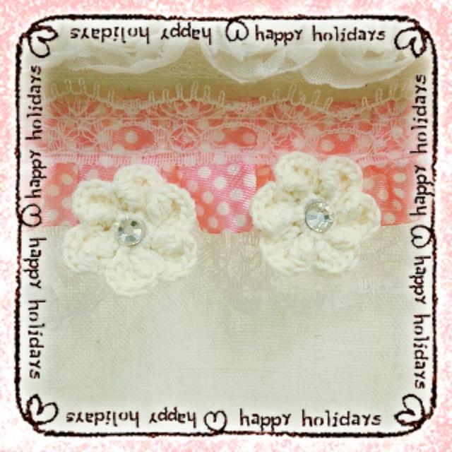 手編み花のイヤリング