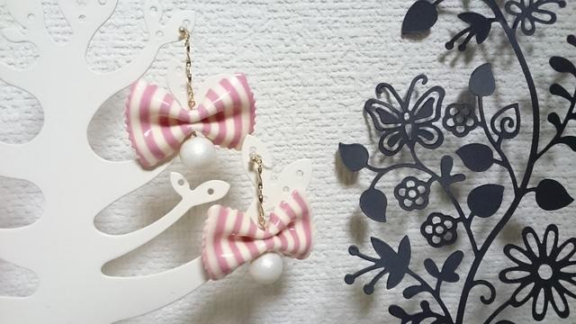 リボンパスタとコットンパールのピアス〜ピンクストライプ〜