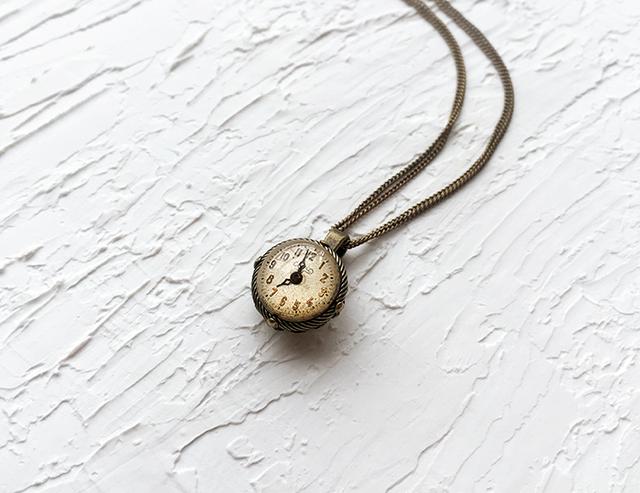 時計石の首飾り・捌