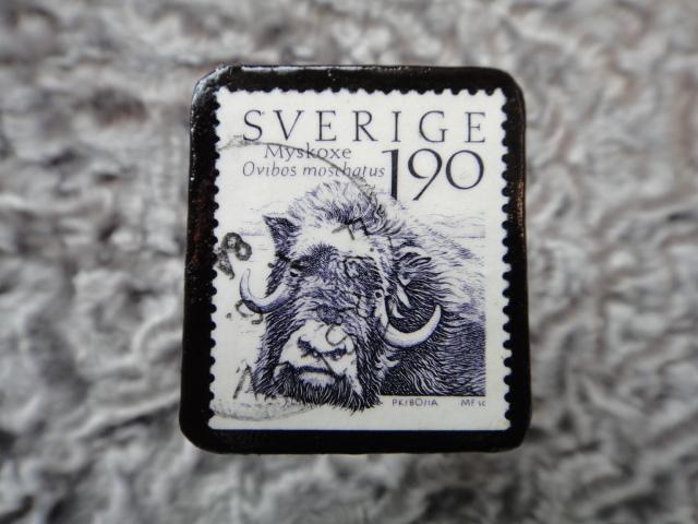 スウェーデン 切手ブローチ 579
