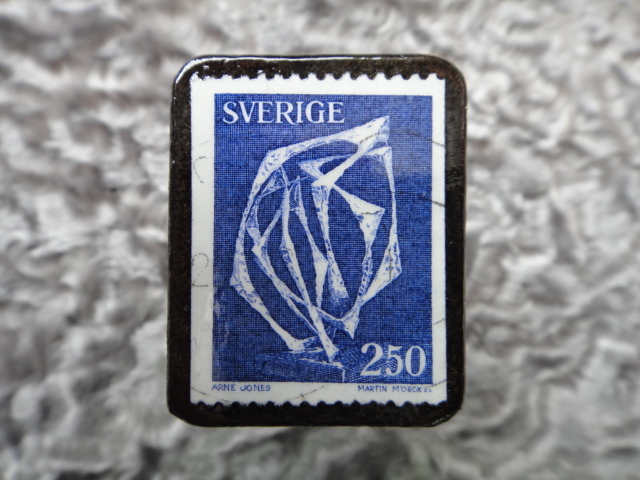 スウェーデン 切手ブローチ 596