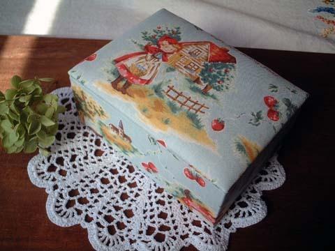 かわいい赤ずきん柄布箱/ポケットティッシュサイズ