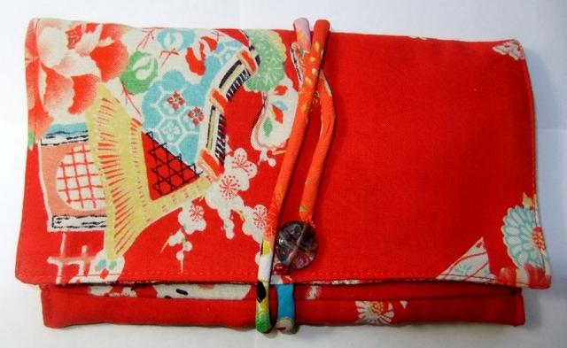 着物リメイク 女の子の着物で作った和風財布 945