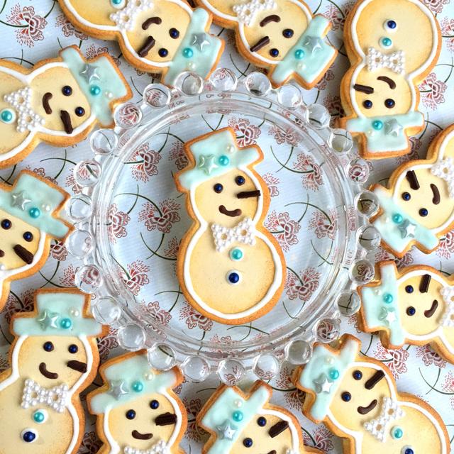 ブルーのスノーマンクッキーの ブローチ