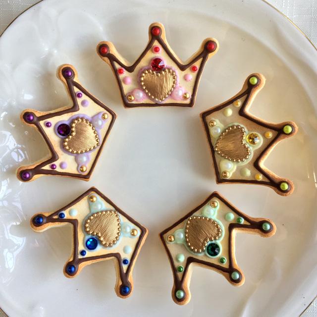 5色のアイドル推しカラー 王冠クッキーのブローチ
