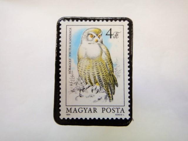ハンガリー ふくろう切手ブローチ624