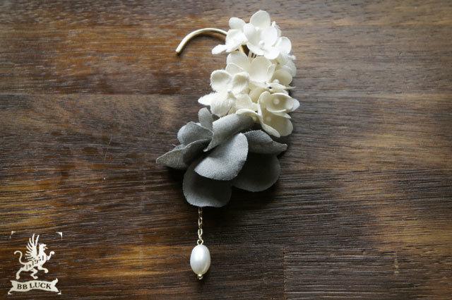 ear hook  【 紫陽花と淡水パールのイヤーフック * white × grey 】