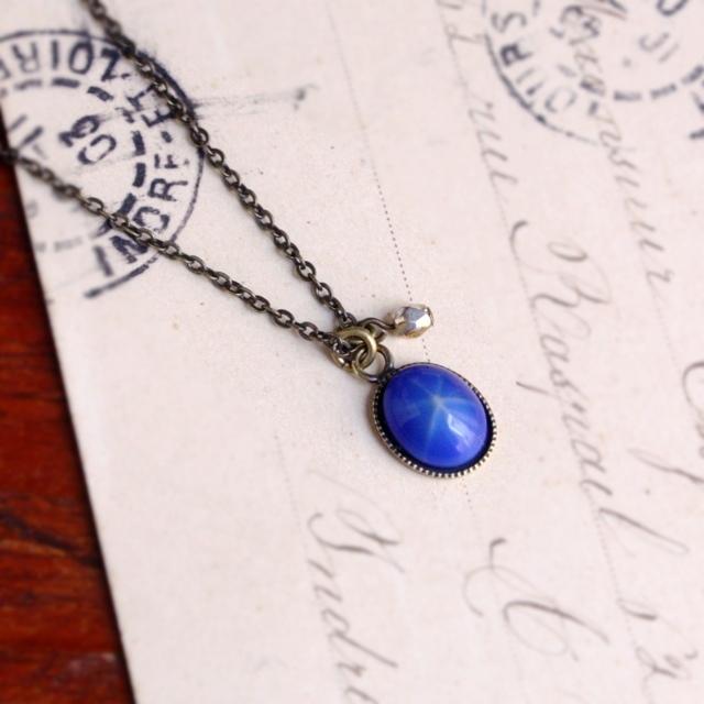 9月〜2月販売◆瑠璃色と星*ヴィンテージガラスのネックレス