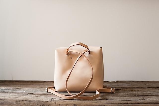 9081f9643196 牛革手作り手縫いのクラシックレザーバックパックかばん本革手作りのバックパック(