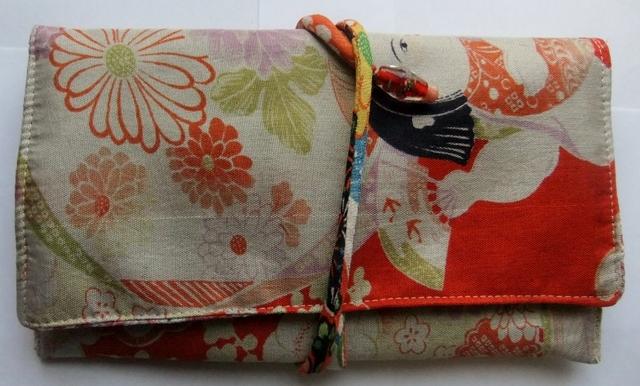 着物リメイク 女の子の着物で作った和風財布 954