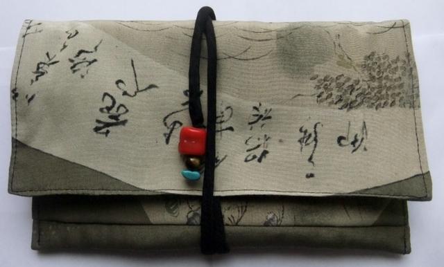 着物リメイク 羽織の裏地で作った和風財布 956