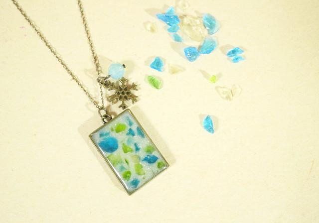 琉球ガラス ミルクゼリーのネックレス