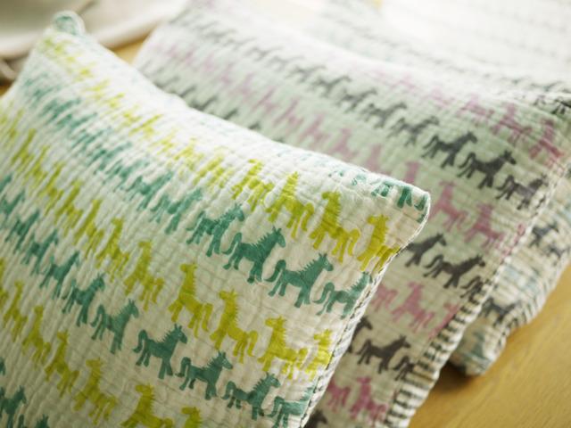 緑馬馬枕カバー