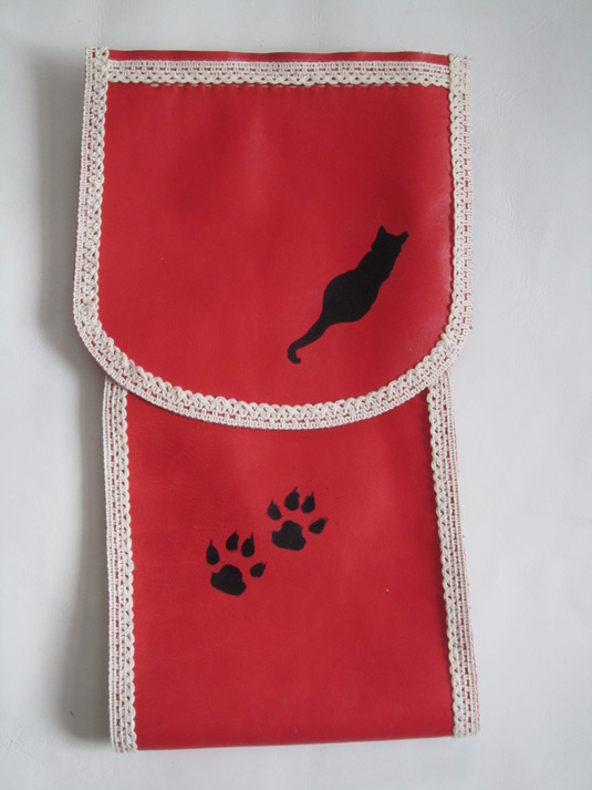 牛皮で作りましたトイレペーパーカバー(赤茶色の猫シルエット2)
