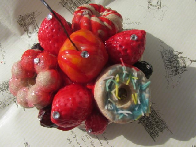 ドーナツとイチゴとチェリーのマグネット スイーツデコ