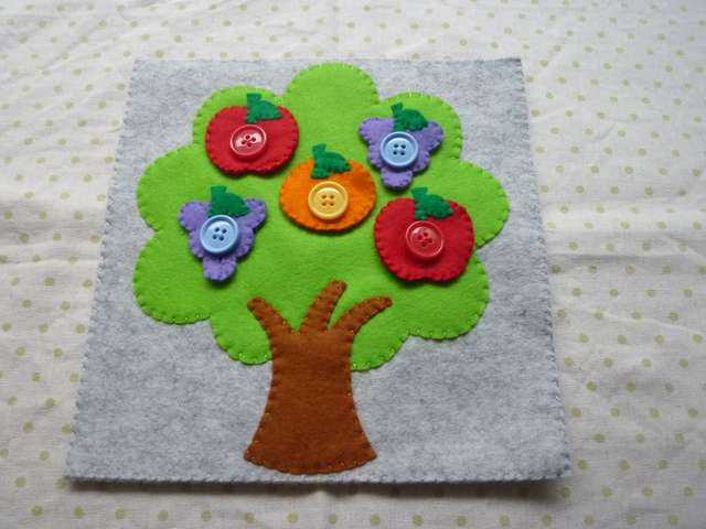 <再販15>フルーツツリーのボタン(りんごボタン赤)