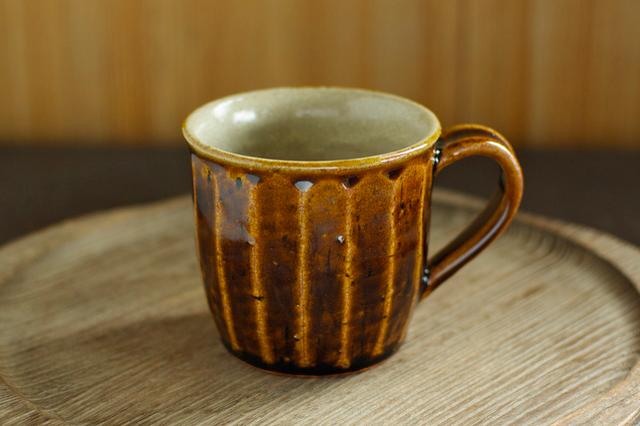 飴釉マグカップ(面取り/粉引き)