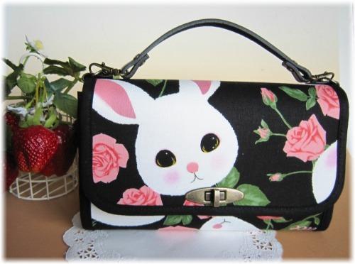 ウサギと薔薇のお財布バック(ブラック)2
