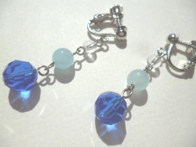 水晶・カルセドニー・カットガラスのイヤリング